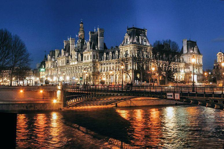 Достопримечательности Парижа: Парижская Ратуша (Отель-де-Виль)