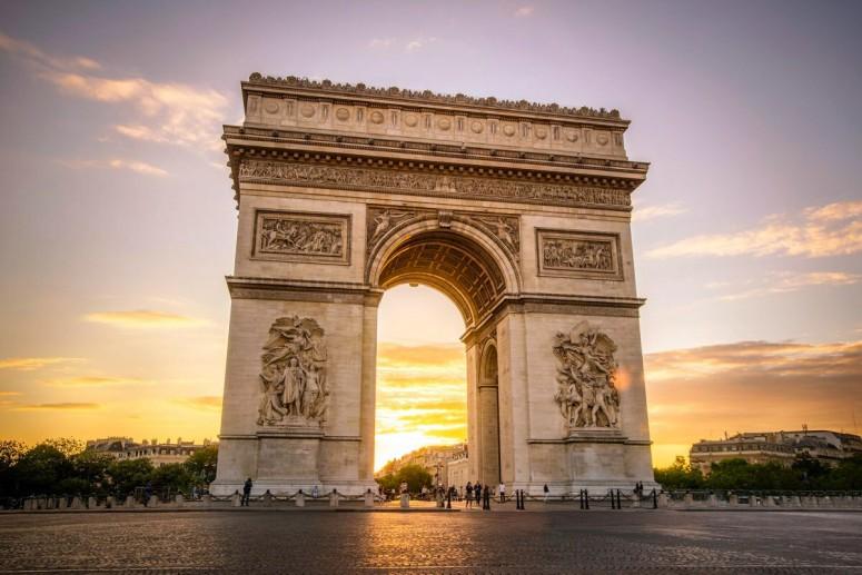 Достопримечательности Парижа: Триумфальная арка