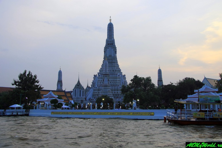 Wat Arun: temple of the Dawn in Bangkok