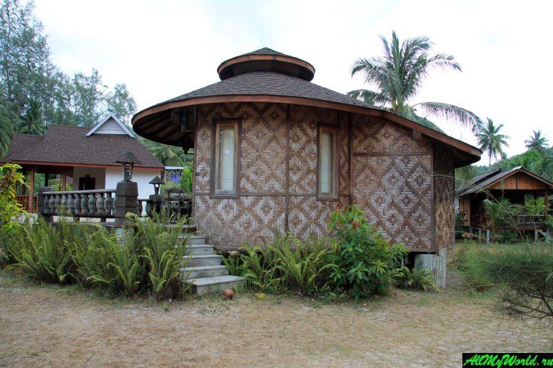 Таиланд, Панган, бухта Чалоклам, резорт Malibu Beach Bungalows