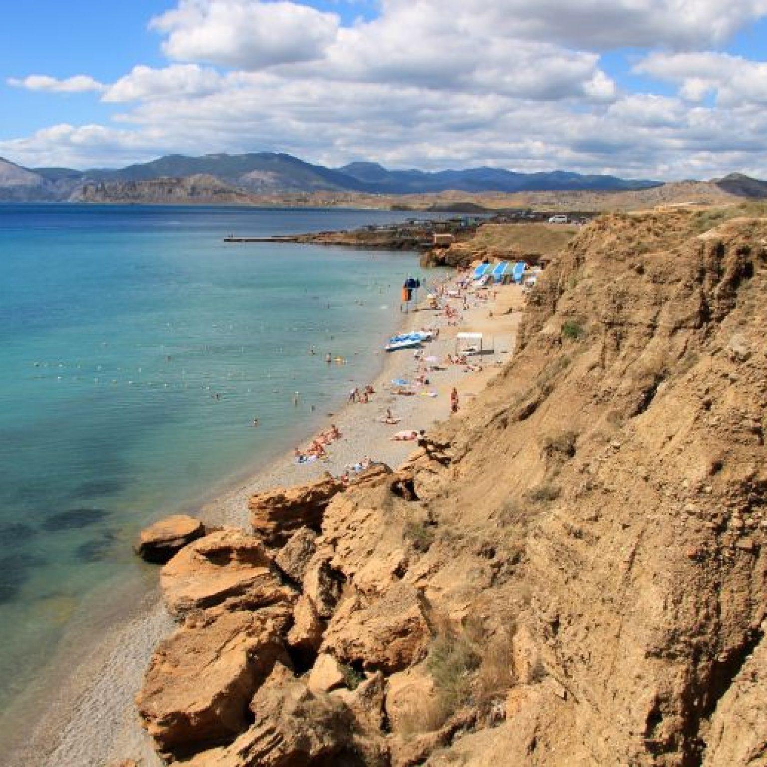Достопримечательности Крыма - Пляжи на мысе Меганом