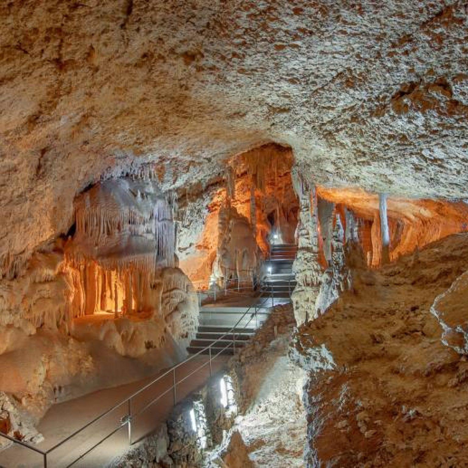 Достопримечательности Крыма - Мраморная пещера