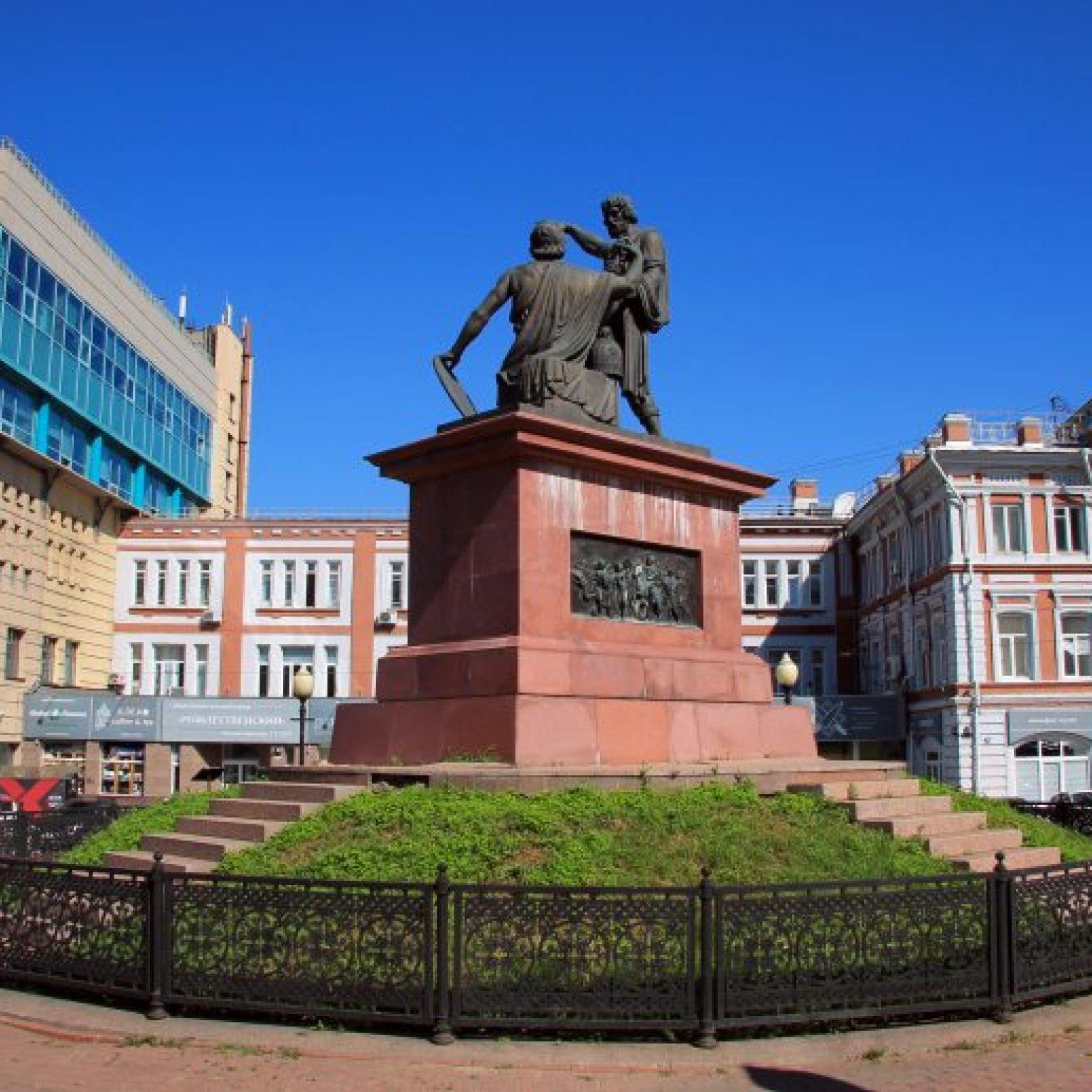 Достопримечательности Нижнего Новгорода: Памятник Минину и Пожарскому
