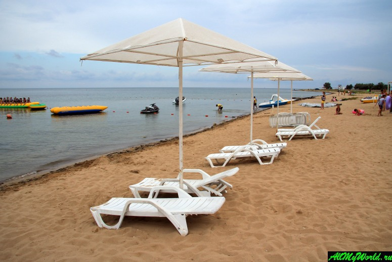 Достопримечательности Евпатории: пляж в Заозерном