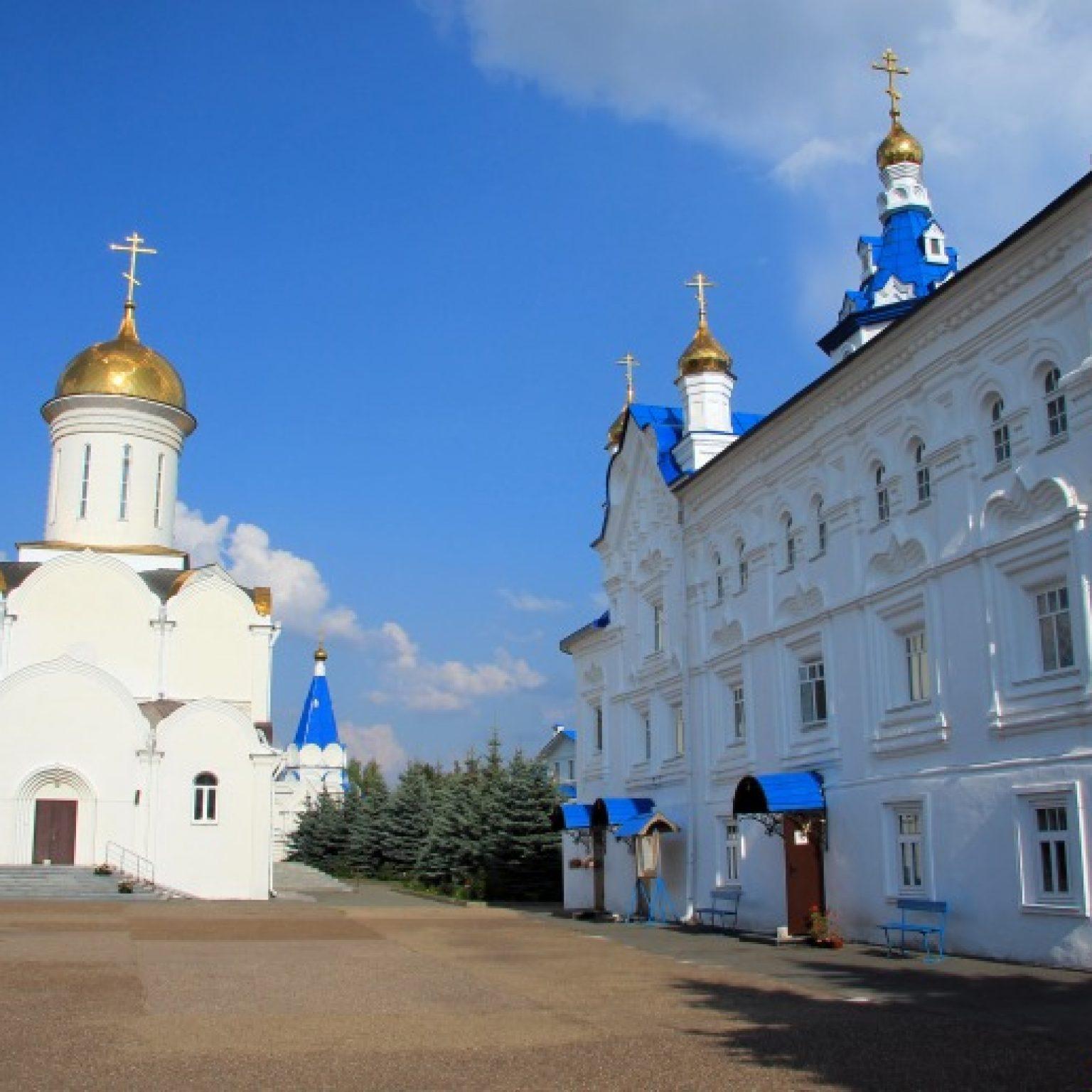 Достопримечательности Казани: Свято-Успенский Зилантов женский монастырь