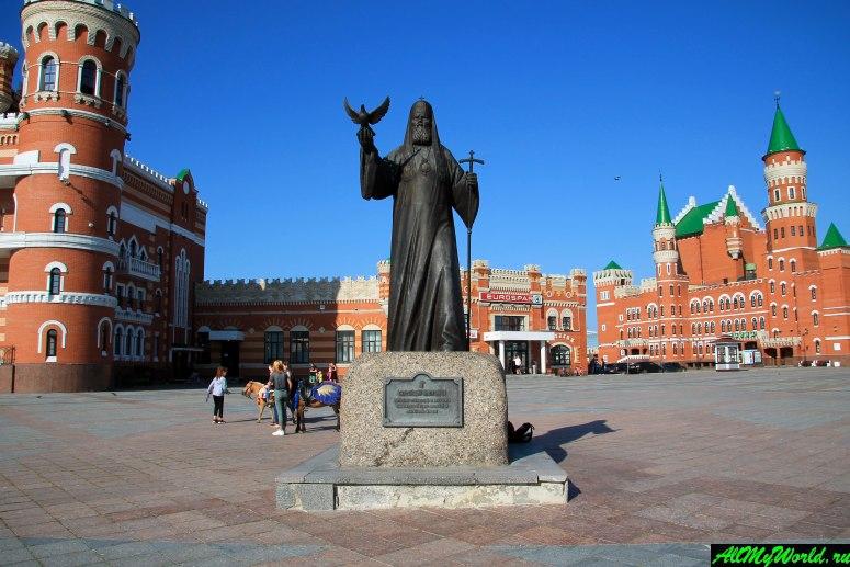 Достопримечательности Йошкар-Олы: Патриаршая площадь