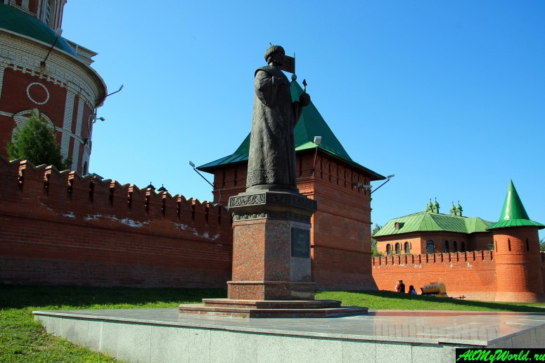 Достопримечательности Йошкар-Олы: памятник царю Федору Иоанновичу
