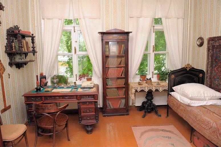 Достопримечательности Самары: Музей-усадьба писателя Алексея Толстого