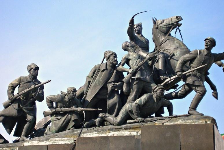 Достопримечательности Самары: Памятник Чапаеву