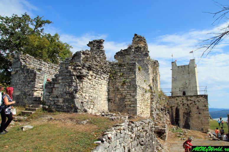 Достопримечательности Абхазии: Иверская гора и Анакопийская крепость