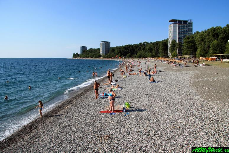 Достопримечательности Абхазии: Пицундский пляж