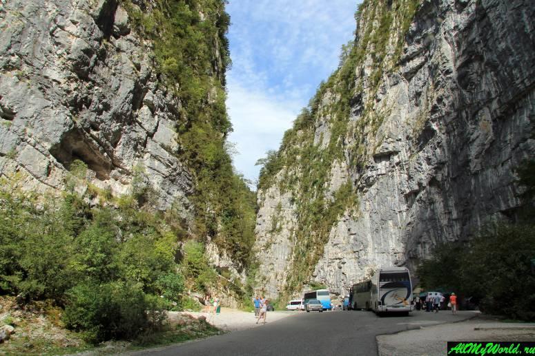 """Достопримечательности Абхазии: Юпшарский каньон (""""Каменный мешок"""")"""