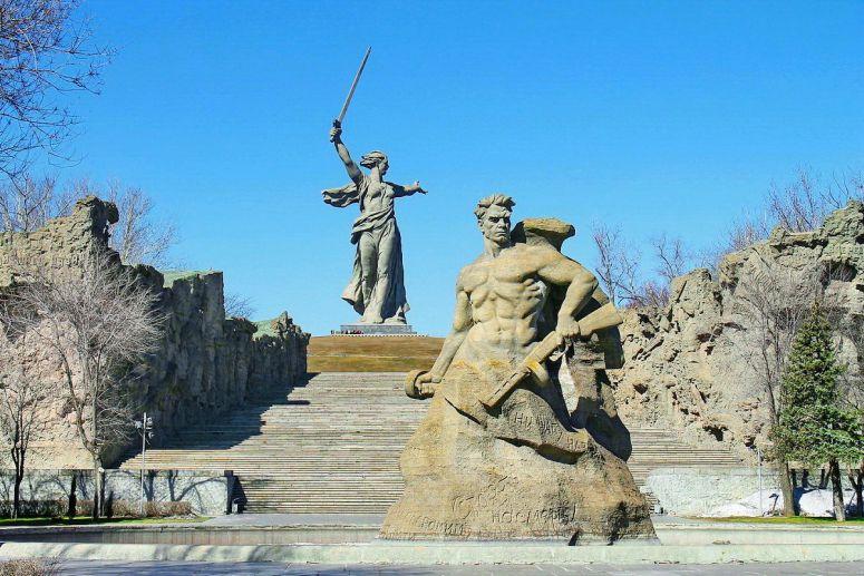 Достопримечательности Поволжья: Мемориал на Мамаевом кургане в Волгограде