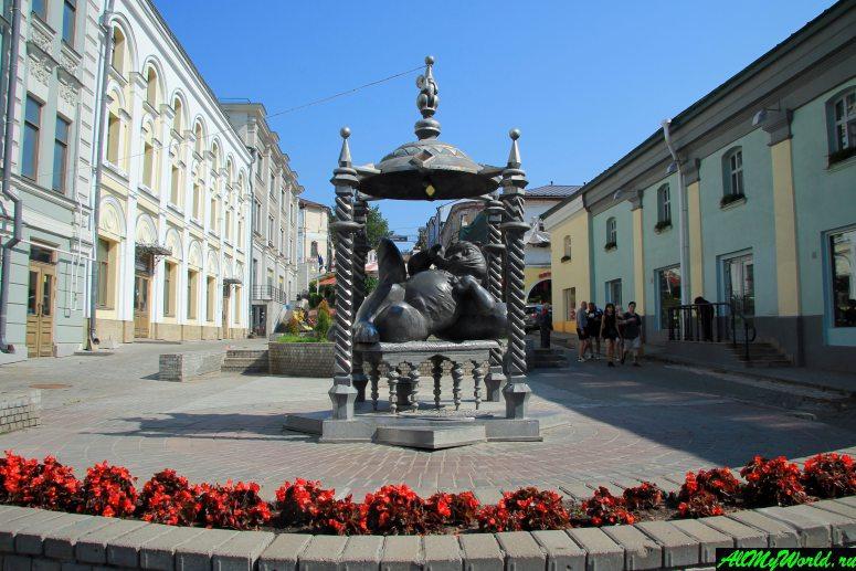 Достопримечательности Поволжья: памятник Коту Казанскому