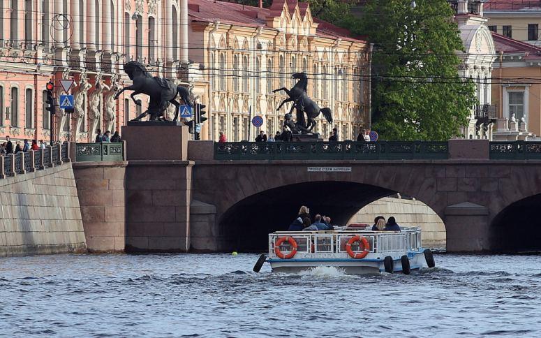 Санкт-Петербург, достопримечательности Невского проспекта: Аничков мост