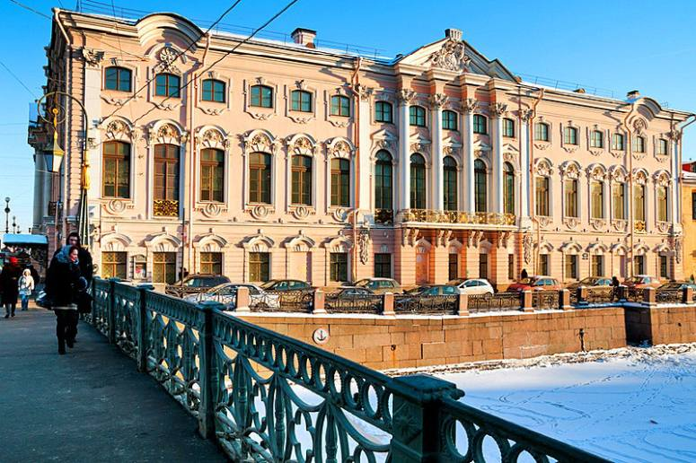 Санкт-Петербург, достопримечательности Невского проспекта: Строгановский дворец
