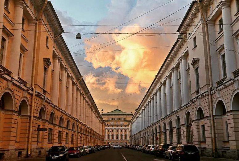 Санкт-Петербург, достопримечательности Невского проспекта: Улица Зодчего Росси