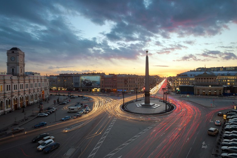 Санкт-Петербург, достопримечательности Невского проспекта: Площадь Восстания