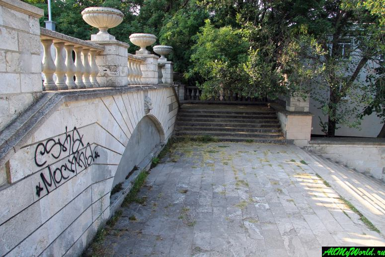 Достопримечательности Керчи: Большая Митридатская лестница