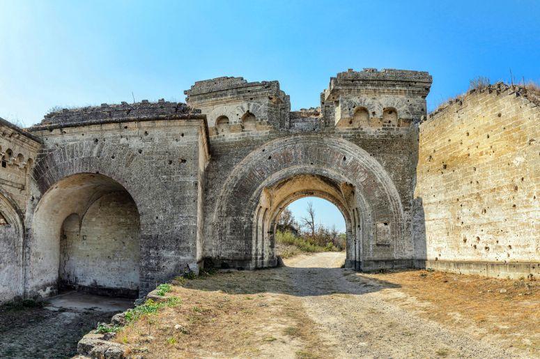 Достопримечательности Керчи: Керченская крепость (Форт Тотлебен)