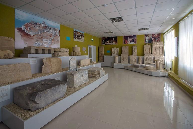 Достопримечательности Керчи: Лапидарий (Музей каменных древностей)