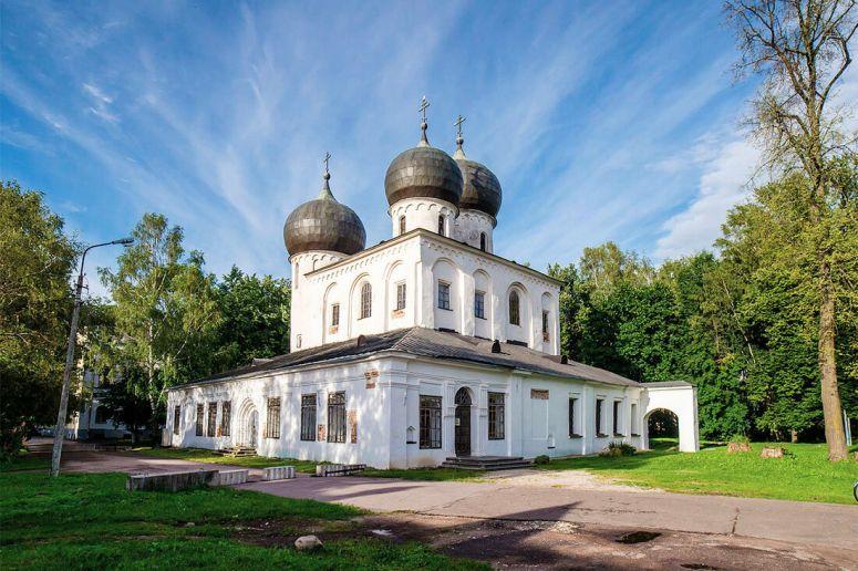 Достопримечательности Великого Новгорода: Антониев монастырь