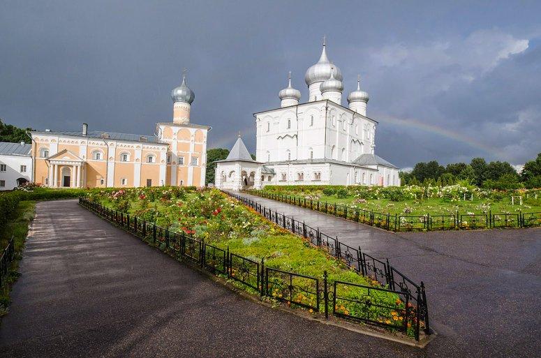 Достопримечательности Великого Новгорода: Спасо-Преображенский Варлаамо-Хутынский женский монастырь