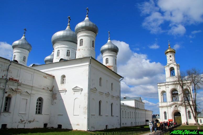 Достопримечательности Великого Новгорода: Свято-Юрьев монастырь