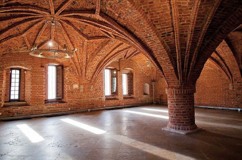 Достопримечательности Великого Новгорода: Владычная (Грановитая) палата