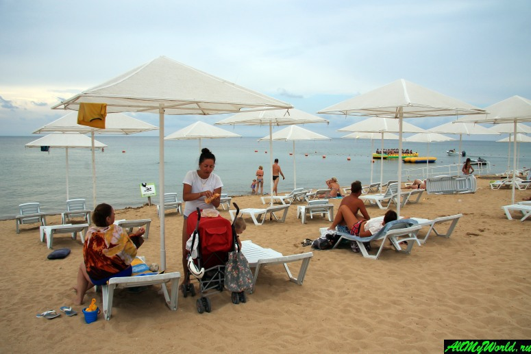 Крым, пляж в Заозерном (Евпатория)