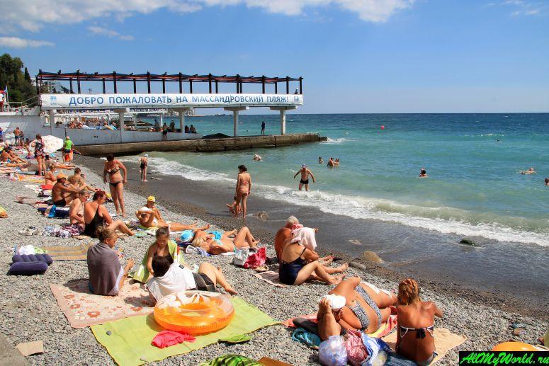 Лучшие пляжи Крыма: Массандровский пляж в Ялте