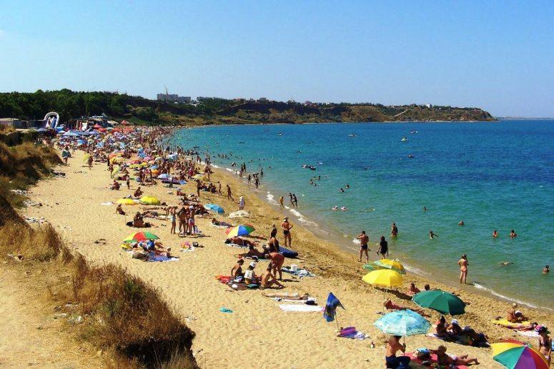 Лучшие пляжи Крыма: Пляж Учкуевка в Севастополе
