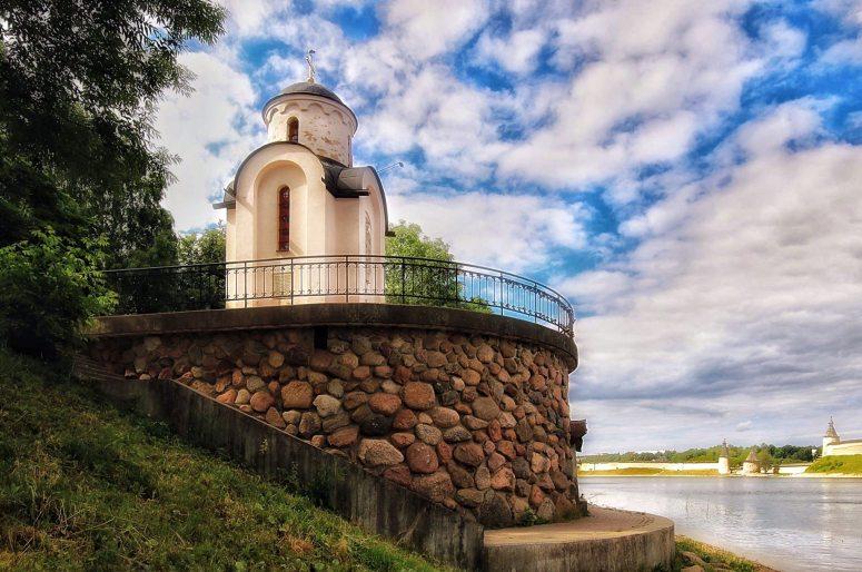 Достопримечательности Пскова: Ольгинская часовня и смотровая площадка