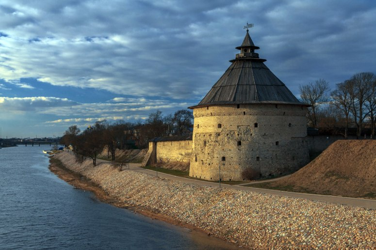 Достопримечательности Пскова: Покровская башня