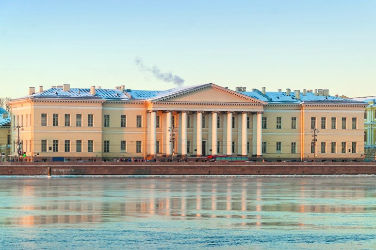 Санкт-Петербург, достопримечательности Васильевского острова: Академия наук