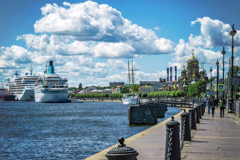 Санкт-Петербург, достопримечательности Васильевского острова: Набережная Лейтенанта Шмидта