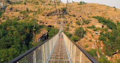 Пещерный город Хндзореск — лучшие достопримечательности Армении
