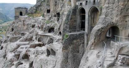Грузия: пещерный город Вардзия (Вардзиа)