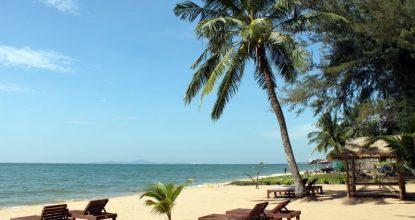 Пляж Бакко Бич в Паттайе: чистое море, вкусные рестораны и стаи кайтеров